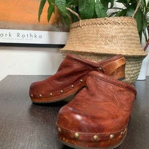 FRYE campus leather clogs